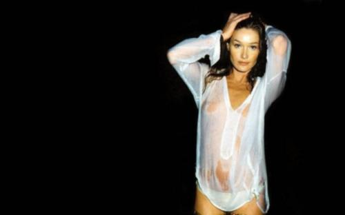 Carla-Bruni-Wallpaper-Celebrities-Wallpapers-12