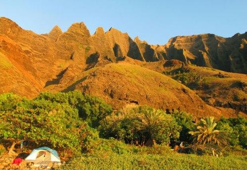 kalalau-valley-camping-embed
