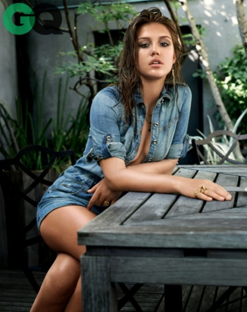 Adele-Exarchopoulos2-2