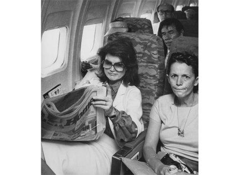 4-Jackie-Onassis-On-Plane-HSS