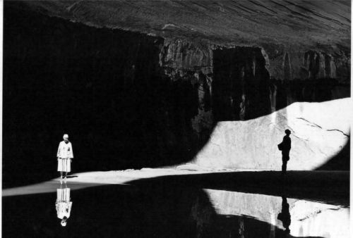 50_11-O_Keeffe_and_Eastborn_Smith_in_Twilight_Canyon__1964