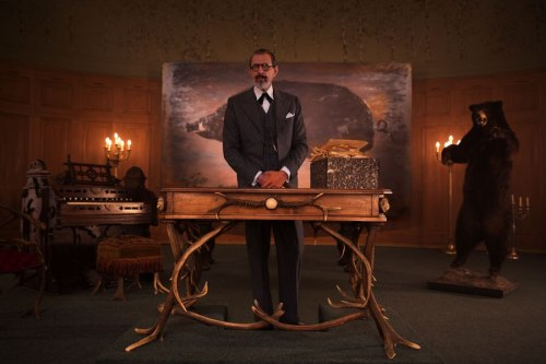 item2.rendition.slideshowHorizontal.grand-budapest-hotel-set-03-german-shop-jeff-goldblum