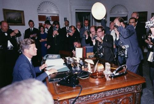 president-kennedy-signing-cuba-quarantine